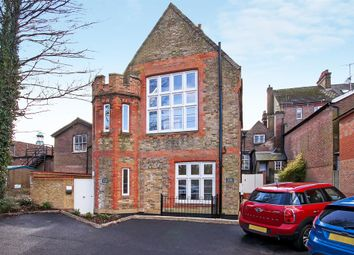 Thumbnail 2 bed flat for sale in The Courtyard, Lower Kings Road, Berkhamsted