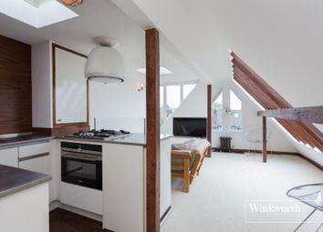 Thumbnail 2 bedroom flat for sale in Highfield Avenue, Golders Green, London