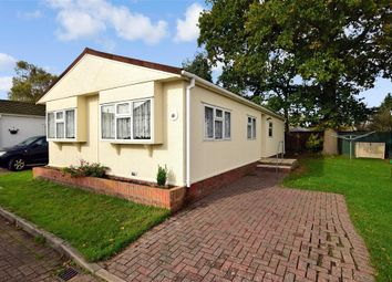 3 bed mobile/park home for sale in London Road, West Kingsdown, Sevenoaks, Kent TN15