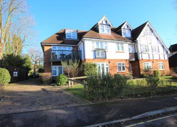 Thumbnail 2 bed flat to rent in West Hill Road, Hook Heath, Woking