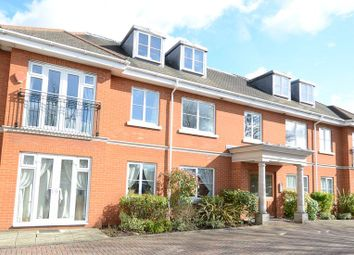 Thumbnail 2 bed flat to rent in Reading Road, Winnersh, Wokingham