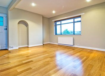 4 bed property to rent in Finchley Road, Golders Green, London NW11