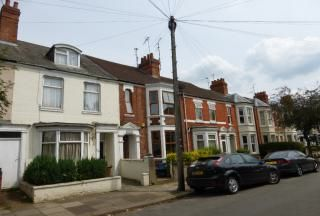 Thumbnail 1 bed flat to rent in Clarence Avenue, Northampton