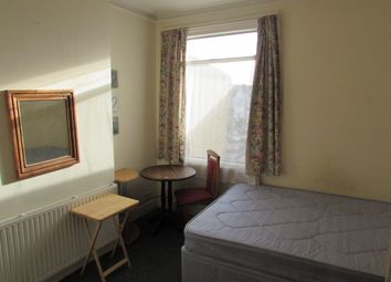Thumbnail Room to rent in Locket Road, Harrow Wealdstone