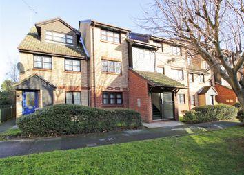 Thumbnail 2 bed flat to rent in Kenwyn Road, Dartford