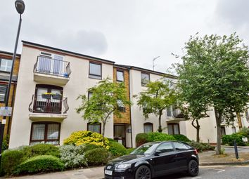 Thumbnail 2 bedroom flat to rent in Lofting Road, London