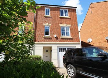 Thumbnail Room to rent in Crowe Road, Bedford