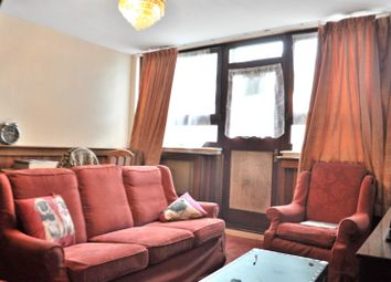 Thumbnail Flat for sale in Crondall Court, Crondall Street