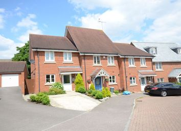 Thumbnail 3 bedroom town house to rent in Ducketts Mead, Shinfield, Reading