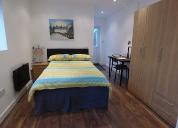 Thumbnail Studio to rent in Newhouse Walk, Morden
