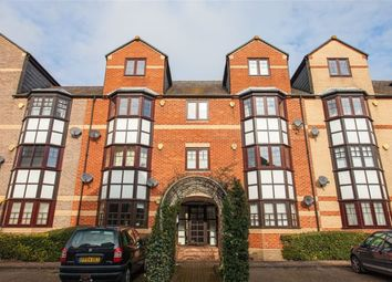 Thumbnail 2 bedroom flat to rent in New Bright Street, Holybrook, Reading