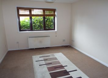 Thumbnail 1 bed flat to rent in Park Road, Banbury