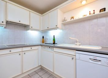 Thumbnail 3 bed flat to rent in Hampton Court, Rotherhithe