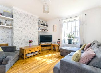 Thumbnail 2 bed flat to rent in Robson Avenue, London
