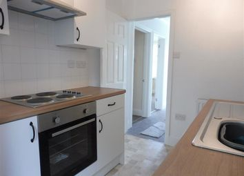 Thumbnail 2 bedroom flat to rent in Hele Road, Torquay