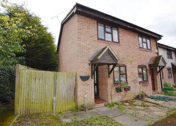 2 bed end terrace house to rent in Wren Court, Ash, Aldershot GU12