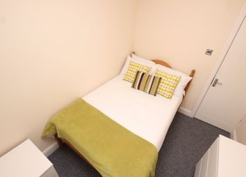1 bed flat to let in Pitcroft Avenue