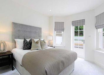 Thumbnail 4 bed flat to rent in Somerset Court, Lexham Gardens, Kensington, London