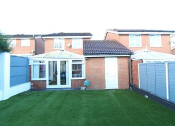 Thumbnail 3 bedroom detached house for sale in Rochford Drive, Luton