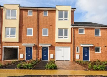 Thumbnail 4 bed town house to rent in Midshires Business Park, Smeaton Close, Aylesbury