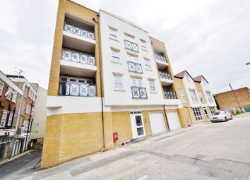 Thumbnail 1 bed flat to rent in Oscar Court, Fairfield Road, Brentwood