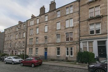 Thumbnail 1 bedroom flat to rent in Dickson Street, Edinburgh