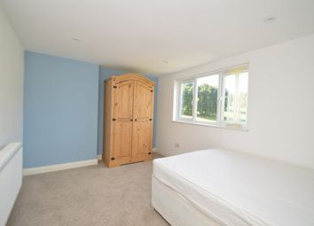 Thumbnail 3 bed flat to rent in Heyford Avenue, Bristol