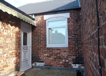 Thumbnail 2 bed flat to rent in Middle Street, Blackhall