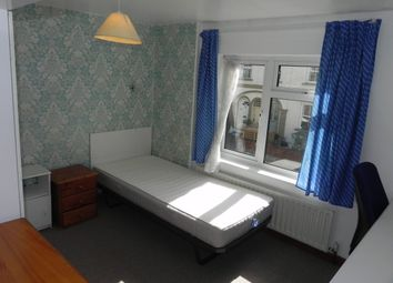 Thumbnail Room to rent in Kings Road, Guildford