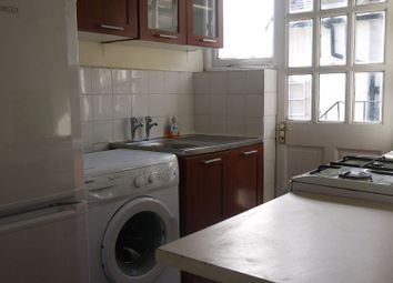 Thumbnail 3 bed flat to rent in Kingsley Gardens, London