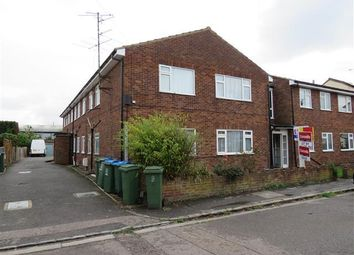 Thumbnail 2 bed flat to rent in Kenton Court, Northern Road, Aylesbury