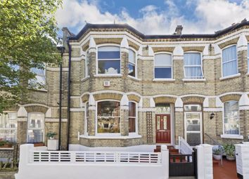 4 bed property to rent in Perran Road, London SW2