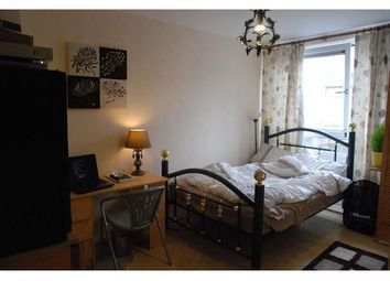 Thumbnail Room to rent in Whitethorn Street, Bow