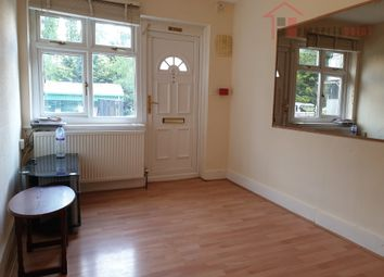 2 bed flat to rent in Chessington Road, Epsom KT19