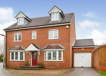 4 bed town house for sale in Foxholes Close, Deanshanger, Milton Keynes MK19