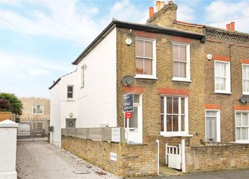 Thumbnail 2 bed maisonette for sale in Hindmans Road, East Dulwich, London