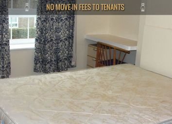 Thumbnail 3 bedroom flat to rent in Law Street, London