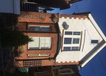 Thumbnail 2 bed flat to rent in Wickham Avenue, Bexhill