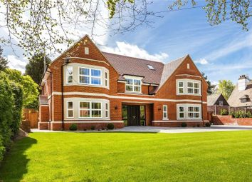 Thumbnail 6 bed detached house to rent in Old Avenue, West Byfleet