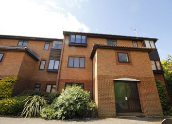 Thumbnail 1 bed property to rent in Quincy Road, Egham
