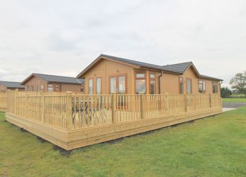 Thumbnail 3 bed mobile/park home for sale in Mythop Road, Weeton, Preston