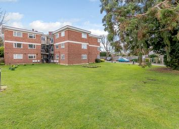 Thumbnail 2 bed flat for sale in Benhill Wood Road, Sutton