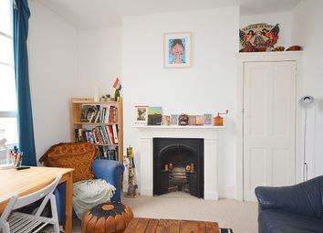 Thumbnail 1 bed flat to rent in Hornsey Road, Upper Holloway, London