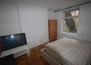 Thumbnail 2 bed property to rent in Junction Road, Upper Hollaway