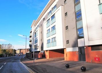 2 bed flat to rent in Maryhill Road, Glasgow G20