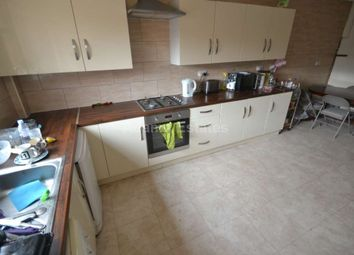 Thumbnail 6 bed terraced house to rent in Foxhill Road, Reading