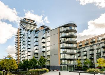 Thumbnail 2 bed flat to rent in Park Vista Tower, Cobblestone Square, Wapping, London