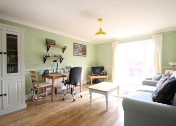 Thumbnail 1 bed flat to rent in Roebuck Close, Horsham