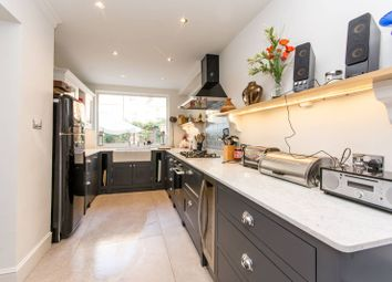 Thumbnail 5 bed property to rent in Beauclerc Road, Brackenbury Village