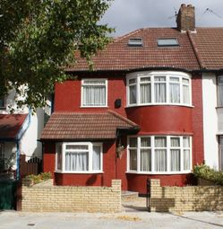 Thumbnail 5 bed maisonette to rent in Brookside Road, London